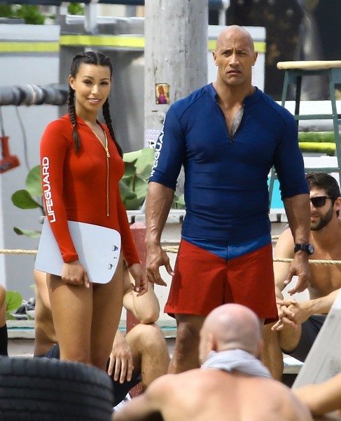 Stars Perform on the Set of 'Baywatch' []
