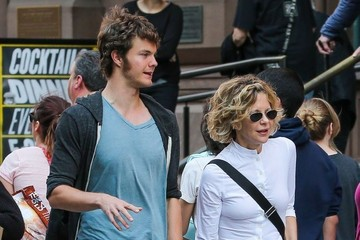 Jack Quaid Meg Ryan Walks With Her Son in New York
