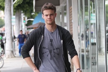 Jack Quaid Jack Quaid Spends Time Shopping in Beverly Hills