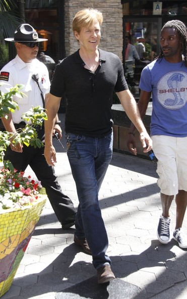 Jack Wagner - Celebs Stop by 'Extra'