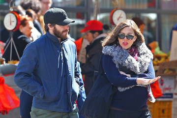 Jake Gyllenhaal Maggie Gyllenhaal Jake And Maggie Gyllenhaal Out For A Stroll After Lunch