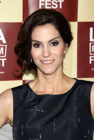 Pictures of Jami Gertz - Pictures Of