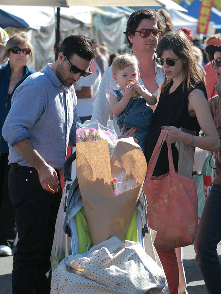 Jason Schwartzman and Family Stop By The Farmers Market ...