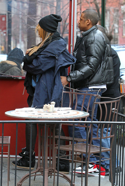 Jay-Z - Beyonce, Jay-Z And Daughter Blue Ivy Out For Lunch In New York