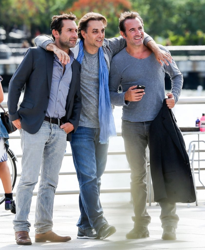 Jean dujardin photos photos jean dujardin lunching with for Jean reno jean dujardin