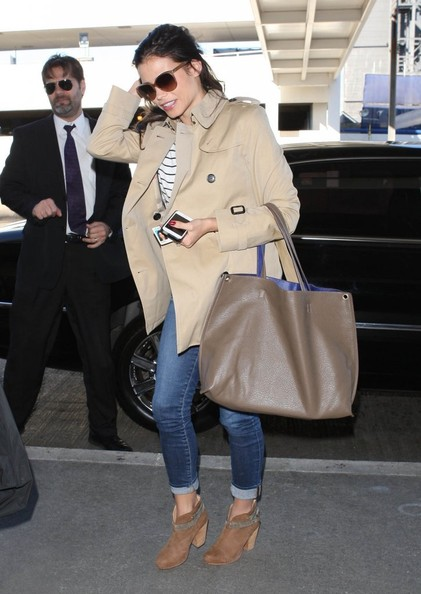 Actress and new mom Jenna Dewan departing on a flight at LAX airport in Los Angeles, California on January 14, 2013.