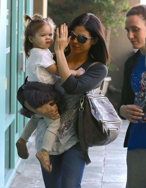 Everly Tatum in Jenna Dewan-Tatum Takes Everly to Baby ...