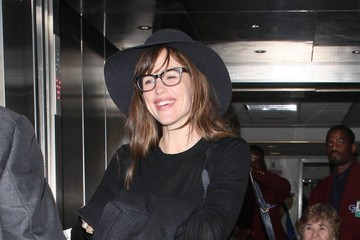 Jennifer Garner Jennifer Garner Arrives at LAX