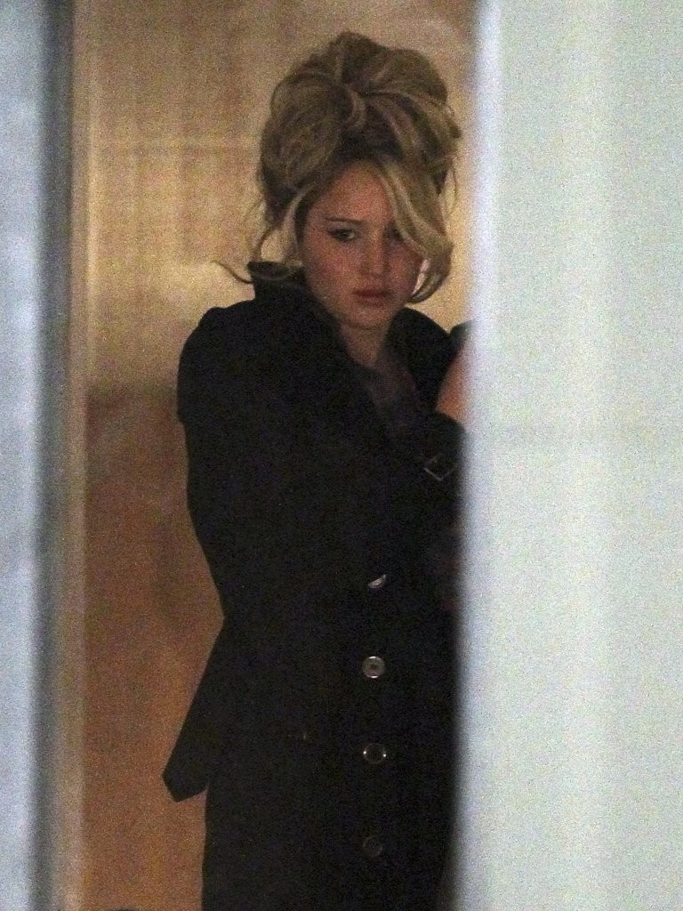 Jennifer Lawrence Goes '70s, Rocks a Big Bouffant For Her New Film [PHOTOS]