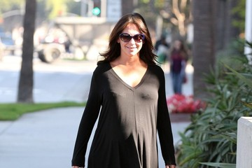 Jennifer Love Hewitt Jennifer Love Hewitt Runs Errands in LA