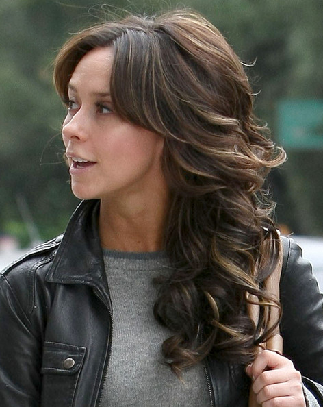 jennifer love hewitt out getting her hair done in studio city zimbio
