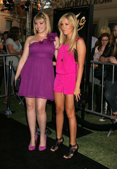 Photo of Jennifer Tisdale & her Sister   Ashley Tisdale