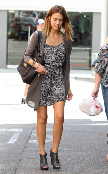 Jessica Alba - Jessica Alba Out And About In Beverly Hills