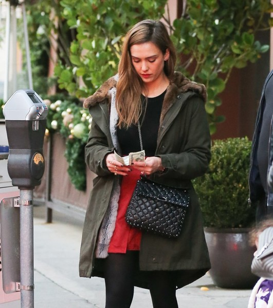 Jessica Alba Shops in Beverly Hills