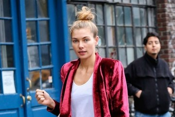 Jessica Hart Jessica Hart Out and About in NYC