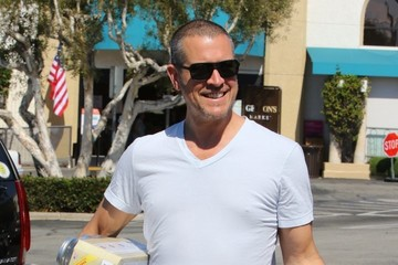 Jim Toth Reese Witherspoon Is Seen at the Supermarket With Her Husband