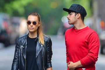 Joe Jonas Blanda Eggenschwiler Joe Jonas and Blanda Eggenschwiler Take a Sroll