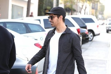 Joe Jonas Jonas Brothers Get Lunch with Friends — Part 2