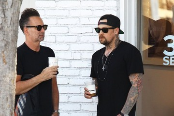 Joel Madden Joel Madden Chats with a Friend