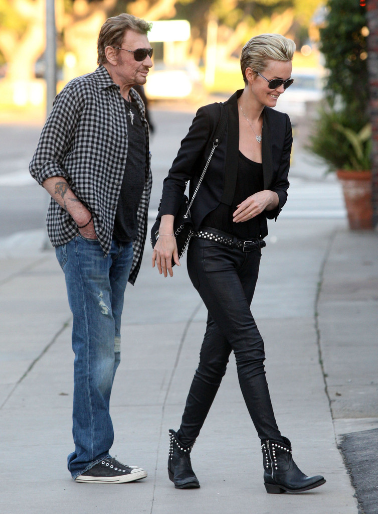 laeticia hallyday pictures johnny hallyday and wife. Black Bedroom Furniture Sets. Home Design Ideas