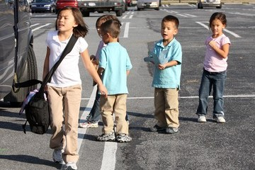 Alexis Gosselin Jon Gosselin Picking Up His Kids From The Bus Stop