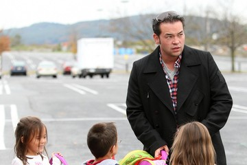 Aaden Gosselin Jon Gosselin Picking Up His Kids From The Bus Stop