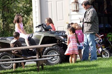 Mady Gosselin Jon Gosselin Playing With His Kids