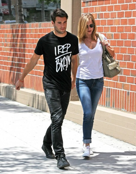 Emily VanCamp in Joshua Bowman and Emily VanCamp Out in ...  Emily VanCamp i...