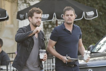 Joshua Jackson Joshua Jackson Spends Time with a Friend in West Hollywood