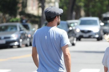 Joshua Jackson Joshua Jackson and a Friend Are Seen Out Shopping in West Hollywood
