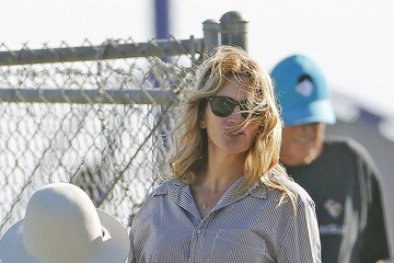 Julia Roberts Julia Roberts Comforts Daughter at Soccer Game in Malibu