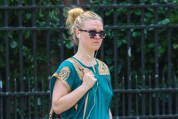 Julia Stiles Julia Stiles Runs Errands in NYC