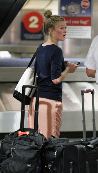 Actress julia styles is pictured crying as she arrives at los angeles
