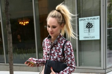 Juno Temple Juno Temple Spotted Out in NYC