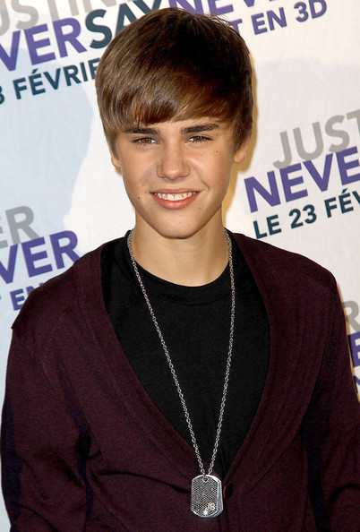 justin bieber new hair 2011 wallpaper. justin bieber new haircut