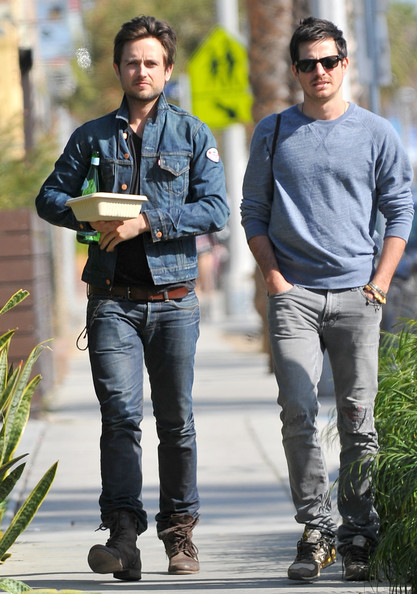 Photo of Justin Chatwin & his friend celebrity   -