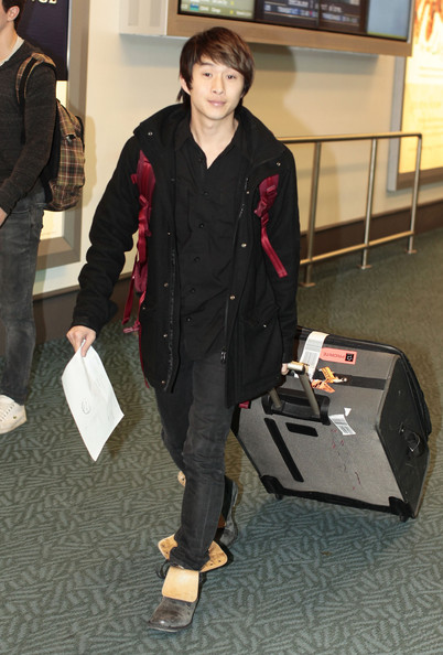 Justin Chon Arriving At Vancouver Airport - Zimbio