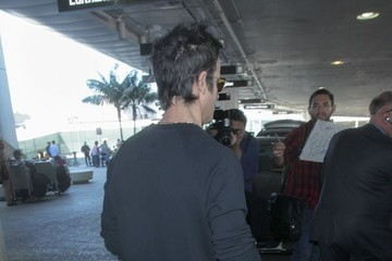 Justin Theroux Justin Theroux Arriving On A Flight At LAX