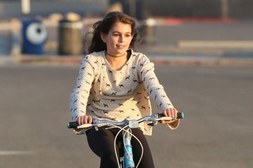 Kaia Gerber Cindy Crawford and Her Daughter Go Biking