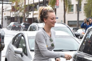 Kaley Cuoco Kaley Cuoco & Karl Cook Attend A Yoga Class In Sherman Oaks