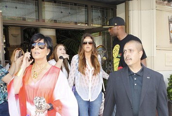 Kris Jenner Kylie Jenner The Kardashian Family Goes to a Party at Casa del Mar