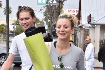 Karl Cook Kaley Cuoco & Karl Cook Attend A Yoga Class In Sherman Oaks