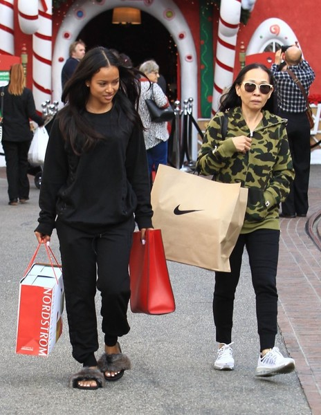 karrueche tran photos photos karrueche tran shops with her mother