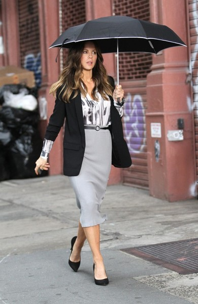 Kate beckinsale photos photos stars are seen on the only living stars are seen on the only living boy in new york film set sciox Image collections