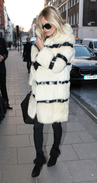 Kate Moss - Kate Moss Heads Out In London