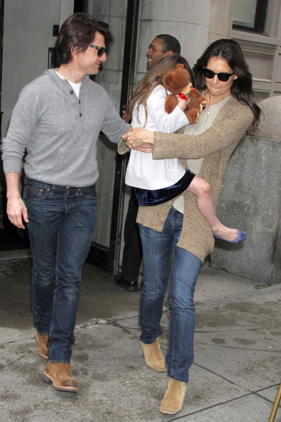 hildebrand family crest. hildebrand family crest. katie holmes and tom cruise