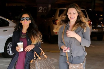 Kelly Brook Kelly Brook Picking Up A Friend At LAX