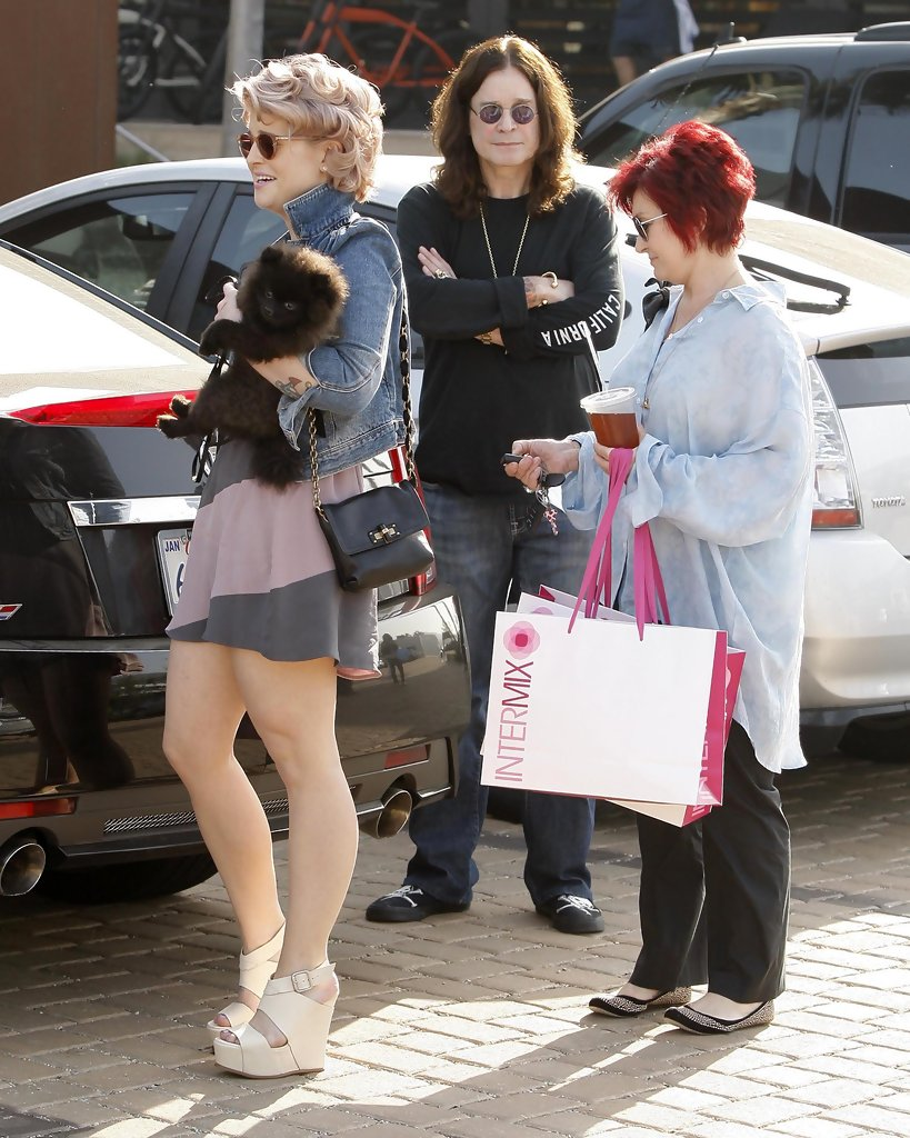 Kelly Osbourne Out At The Malibu Country Mart