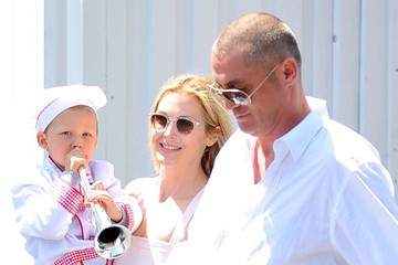 Hermes Giersch Kelly Rutherford Out With Her Family On Mother's Day
