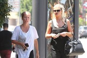 Kendra Wilkinson Lunches With a Friend